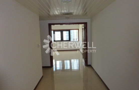 Great Offer 3 BR Apartment in Khalidiya