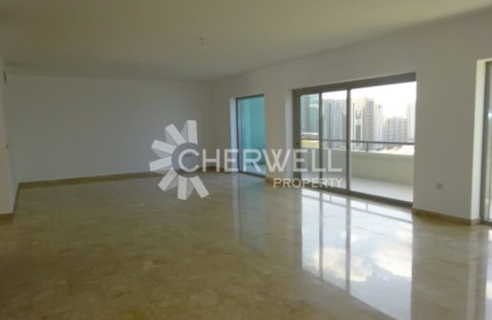 Large Amazing Duplex!! Next to Corniche Beach