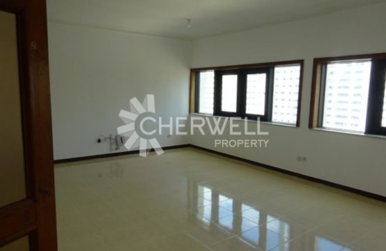 A Modern, Bright and Clean Apartment in Khalidiya